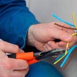 Укладка электрических проводов